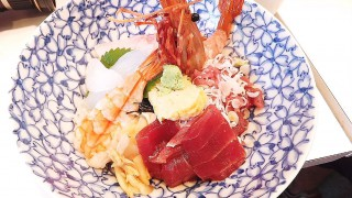 Tsukiji : My longing sushi changed to sashimi bowl X(