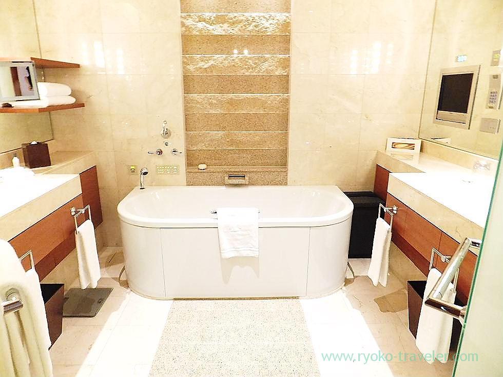 Bath room 1, Peninsula Tokyo (Yurakucho)