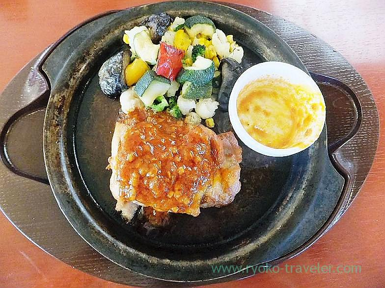 Chicken garlic steak, Gusto Goi branch (Goi)