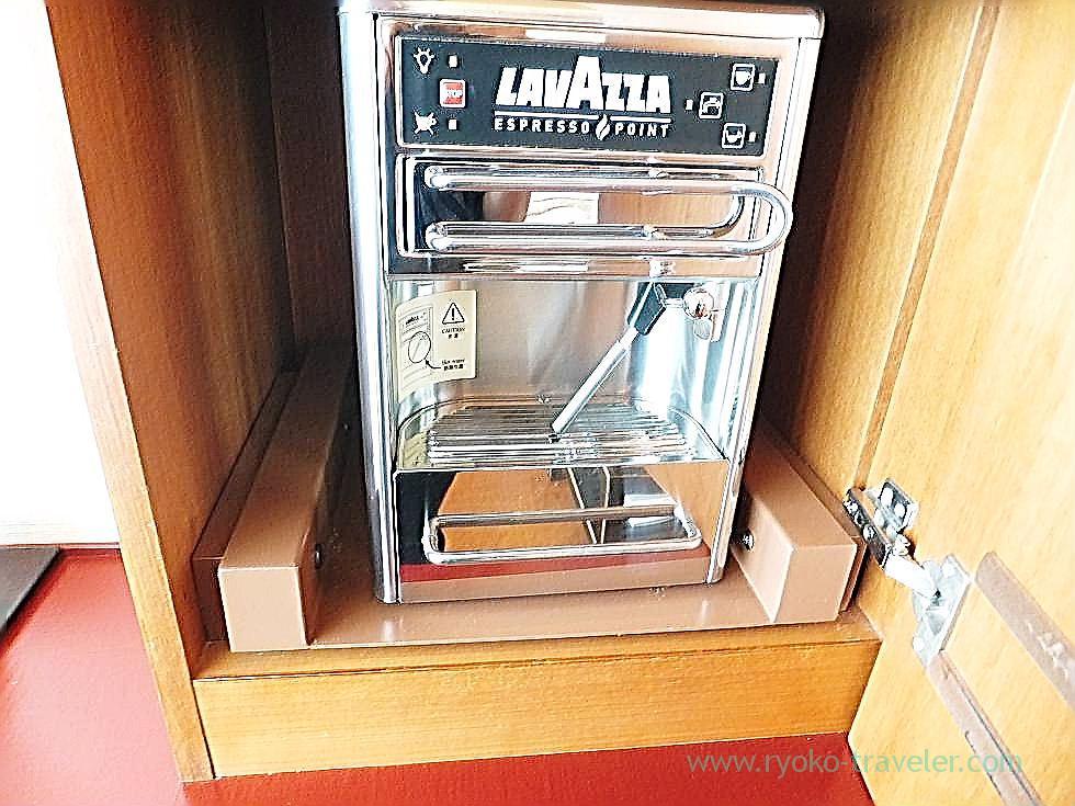 Espresso machine, Peninsula Tokyo (Yurakucho)