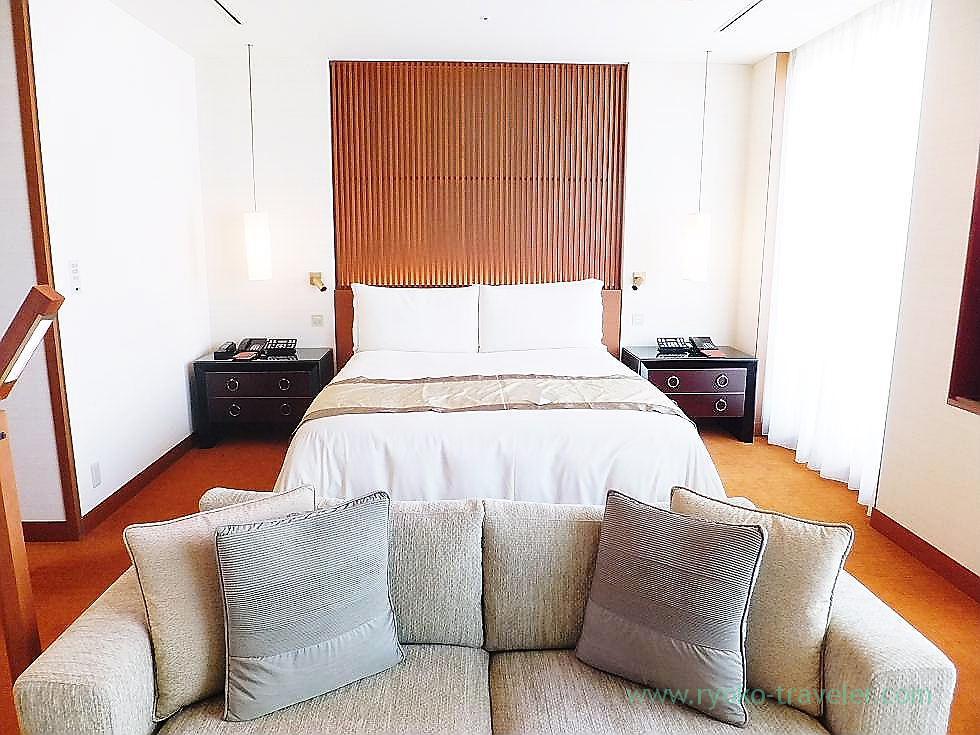 Living room 3, Peninsula Tokyo (Yurakucho)