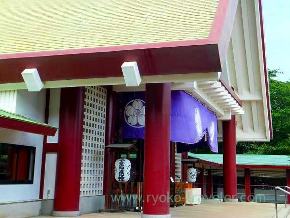 Front shrine from another side, Chiba-ken Gokoku-jinja Shrine (Shin-Chiba)