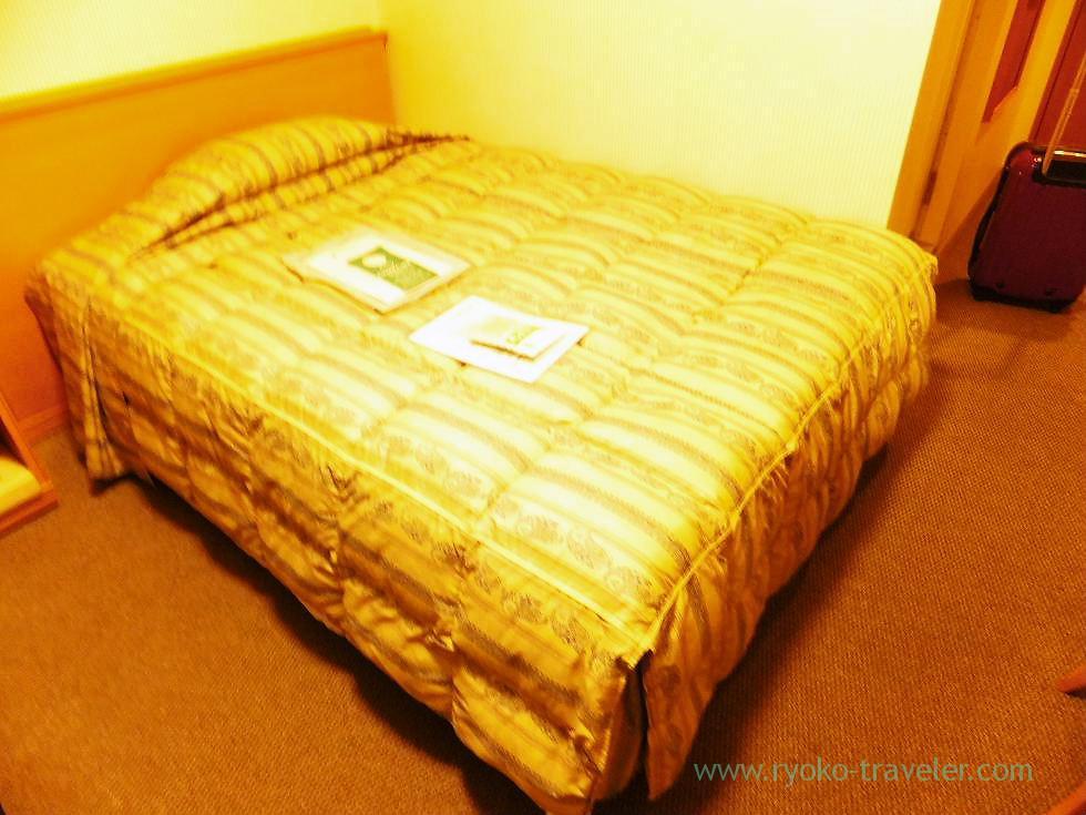 Bed of Comfort single room,Tokushima Tokyu Inn, Tokushima (trip to takamatsu and tokushima 2011)