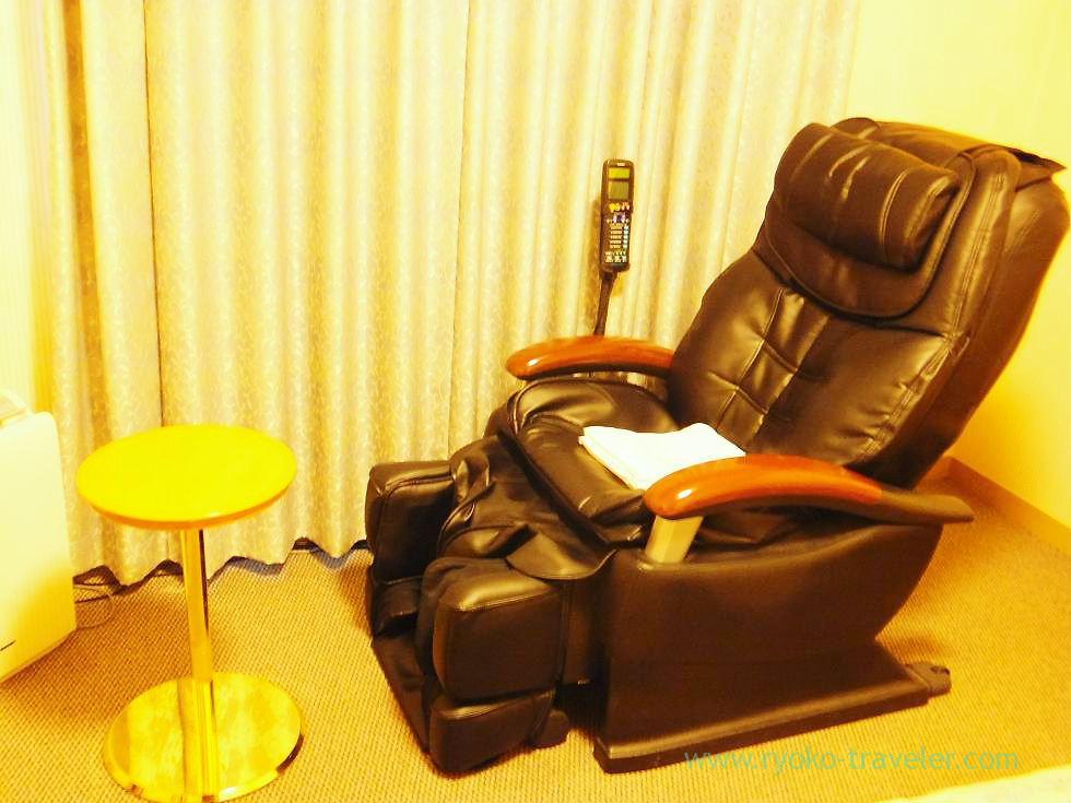 Massage chair,Tokushima Tokyu Inn, Tokushima (trip to takamatsu and tokushima 2011)