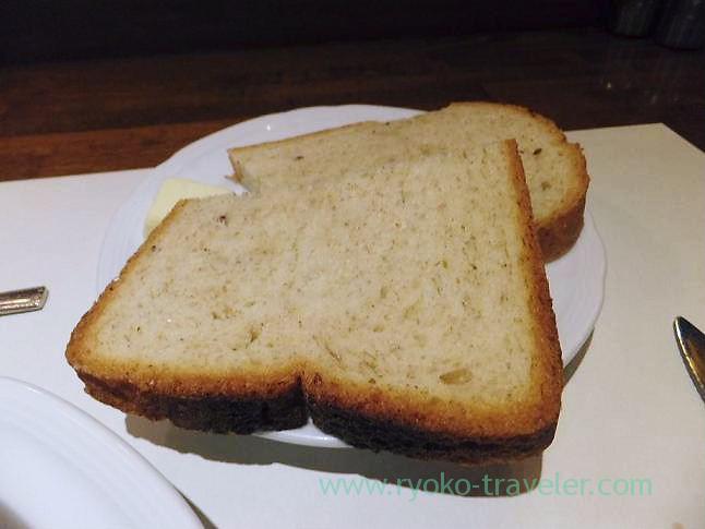 Rye bread, Sungari Shinjuku Nishiguchi (Shinjuku)