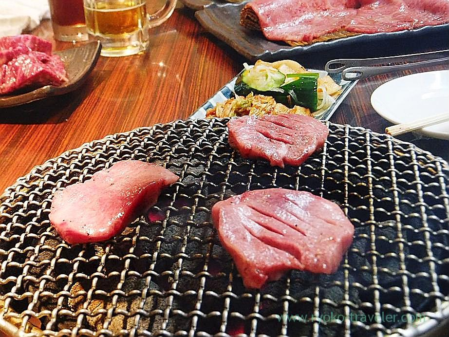 Grilling salted beeftongue, Shichirin (Minowa)
