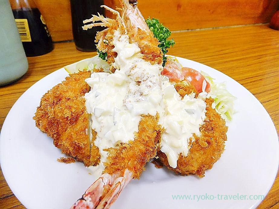 Sea eel, scallop and kuruma prawn fry, Tonkatsu Yachiyo (Tsukiji Market)