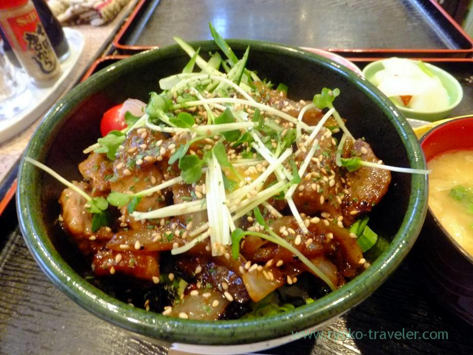 Tuna steak bowl, Dourakutei (Kachidoki)