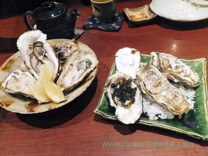 Raw and steamed oysters, Yamadaya (Tsukiji)