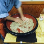 Higashi-Jujo : From making to eating soba at Nojima