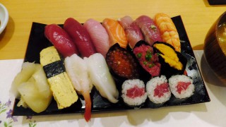 Ginza : Valuable sushi lunch at Sushi Itsuki (鮨いつき)