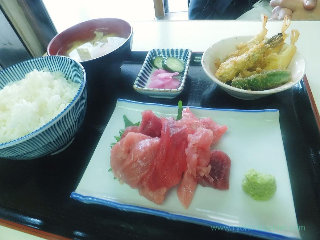 Tuna set, tidepool gunnel and scallop tempura, tenfusa (Tsukiji Market)