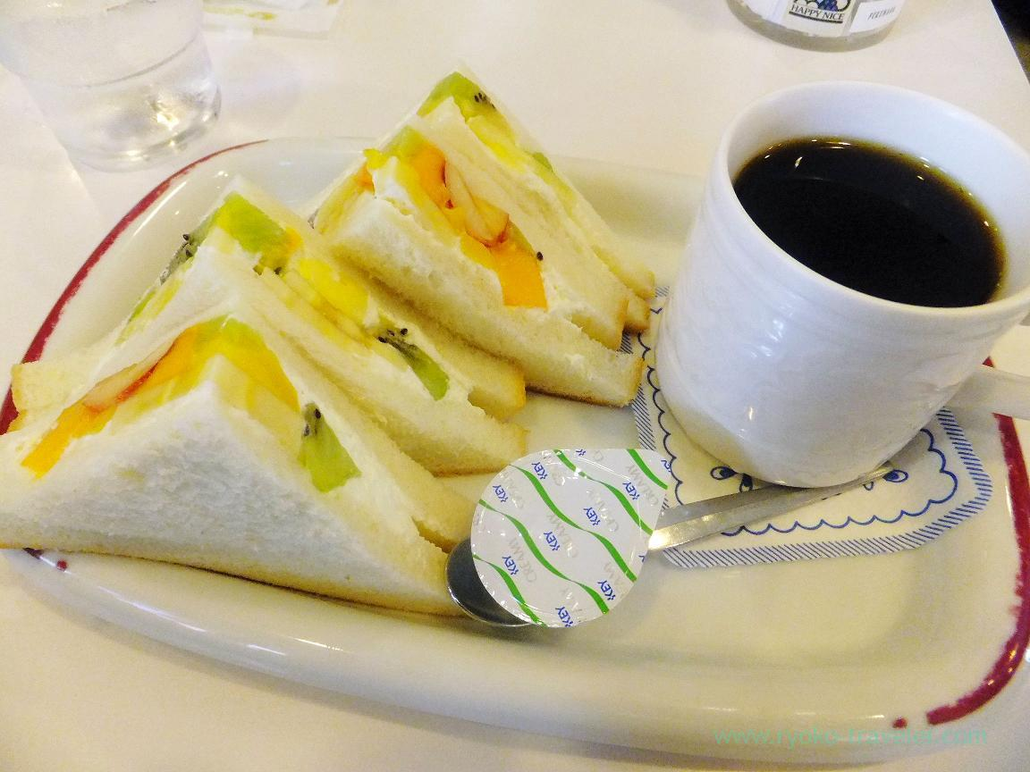 Fruits sandwich, Fukunaga Fruits Parlor (Yotsuya-sanchome)