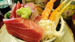 Tsukiji Market : Sashimi bowl at Yonehana