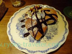 Pancake with chocolate sauce and banana, Kopie (Funabashi)