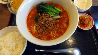 Makuhari-Hongo : Dandan noodles and tantanmen at Manzan