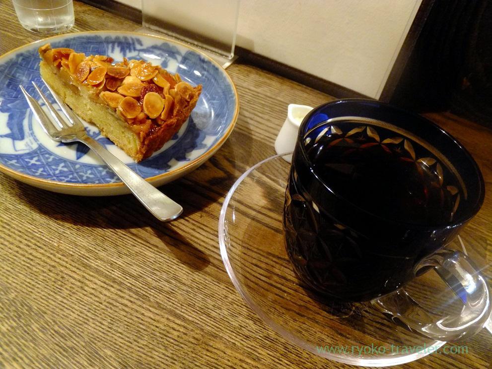 Nuts tart, Sumida coffee (Kinshicho)