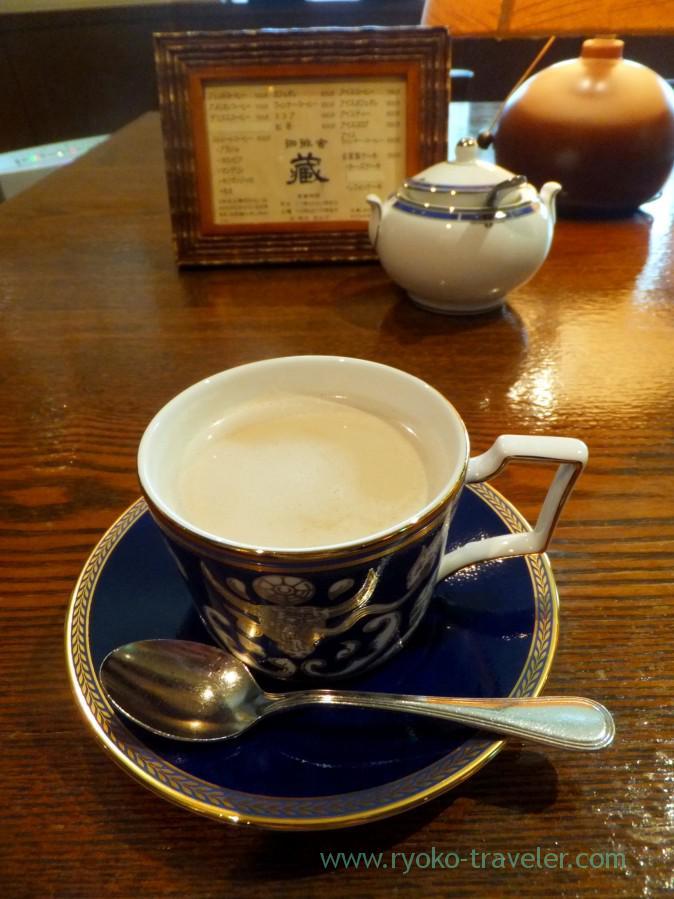 cafe-au-lait-coffee-sha-kura-jinbocho