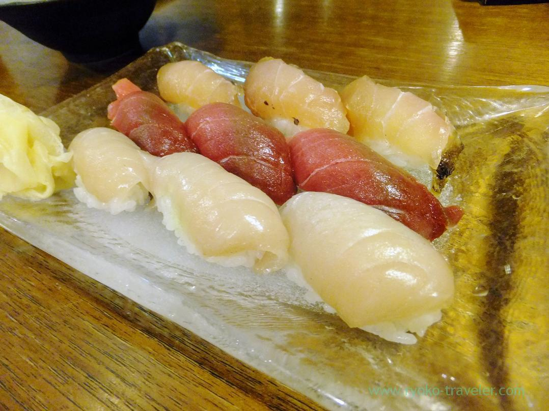 Nigiri - Lean meat of tuna from Oma, Scombrops gilberti and Spanish mackerel, Kashigashira (Tsukiji)