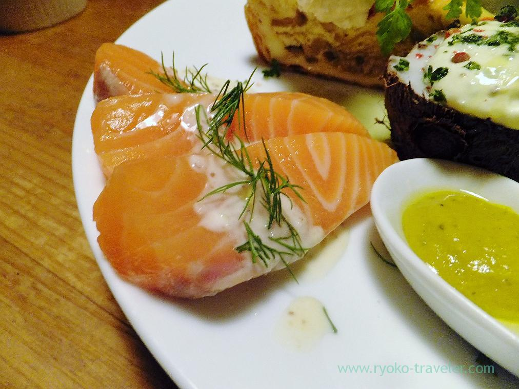 Salmon of assorted antipasto, Hachijuro Shoten (Funabashi)