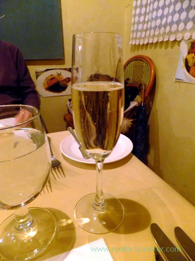 sparkling-wine-cinq-au-pied-makuhari-hongo
