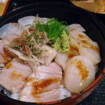 Funabashi : 3 colors sashimi bowl at Maguro-ichi (まぐろ市)