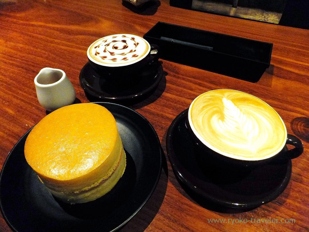 Cafe latte and cafe mocca and hot cake, Mijinko (Ochanomizu)
