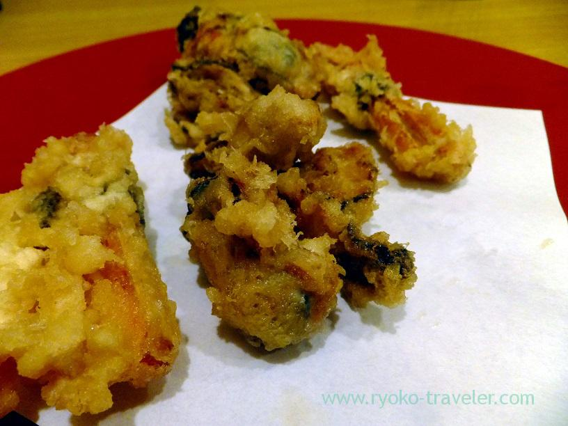 Moon - Oyster, burdock and carrot roll tempura, Kurokawa (Tsukiji)