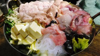 Hirai : Soft roe, monkfish liver gathering in a hotpot (豊田屋)