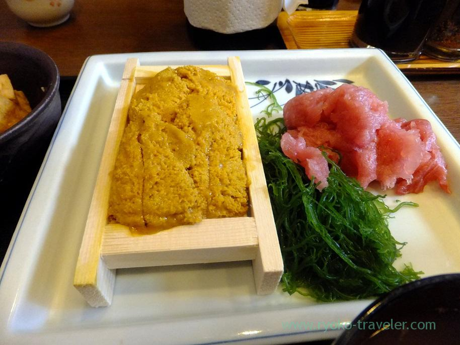 Sea urchin and tuna, Ikenoya (Kachidoki)