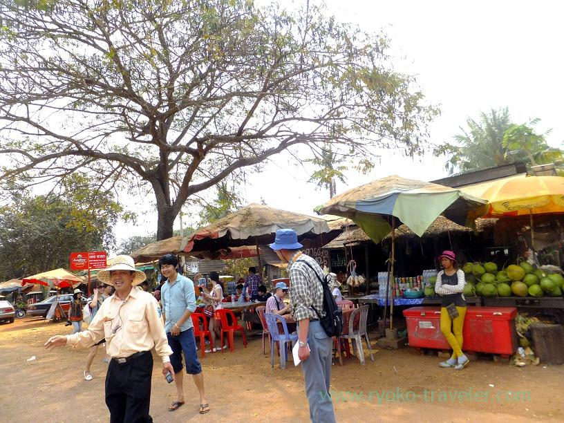 Souvenir shops street, Beng Mealea1(Siem Reap2014)