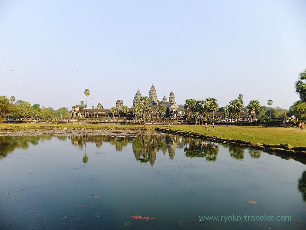 Angkor wat behind the water, Angkorwat(Siem Reap2014)