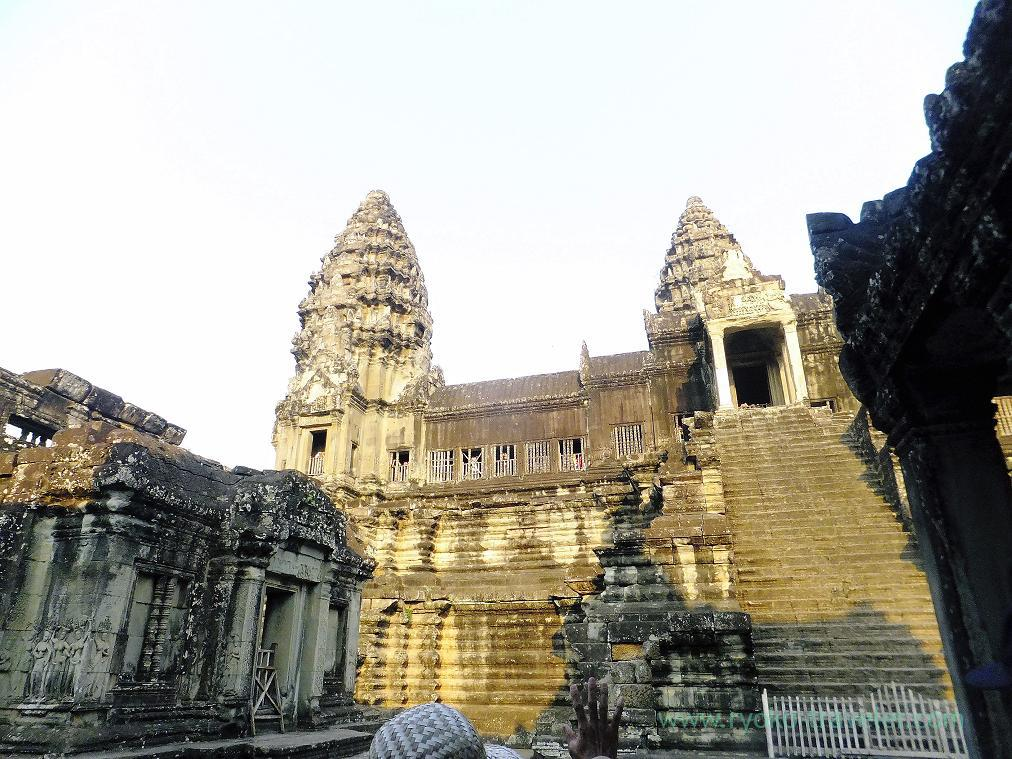 Is that third level , Angkorwat(Siem Reap2014)
