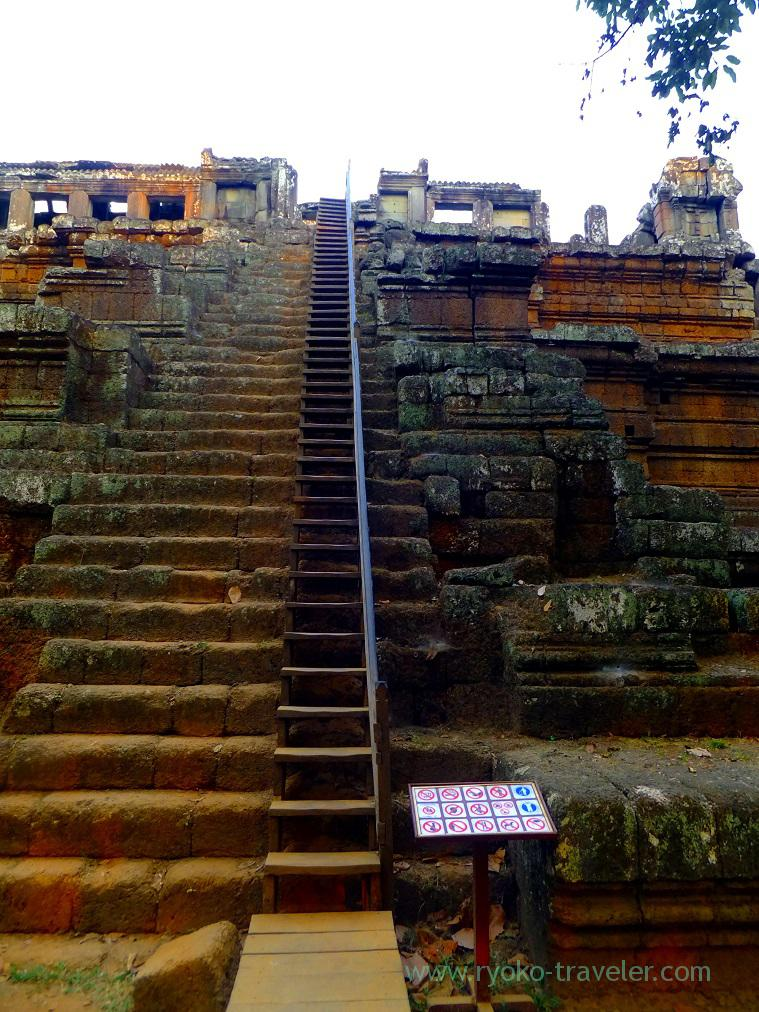 Stairs of Phimeanakas (Siem Reap, cambodia 2014)