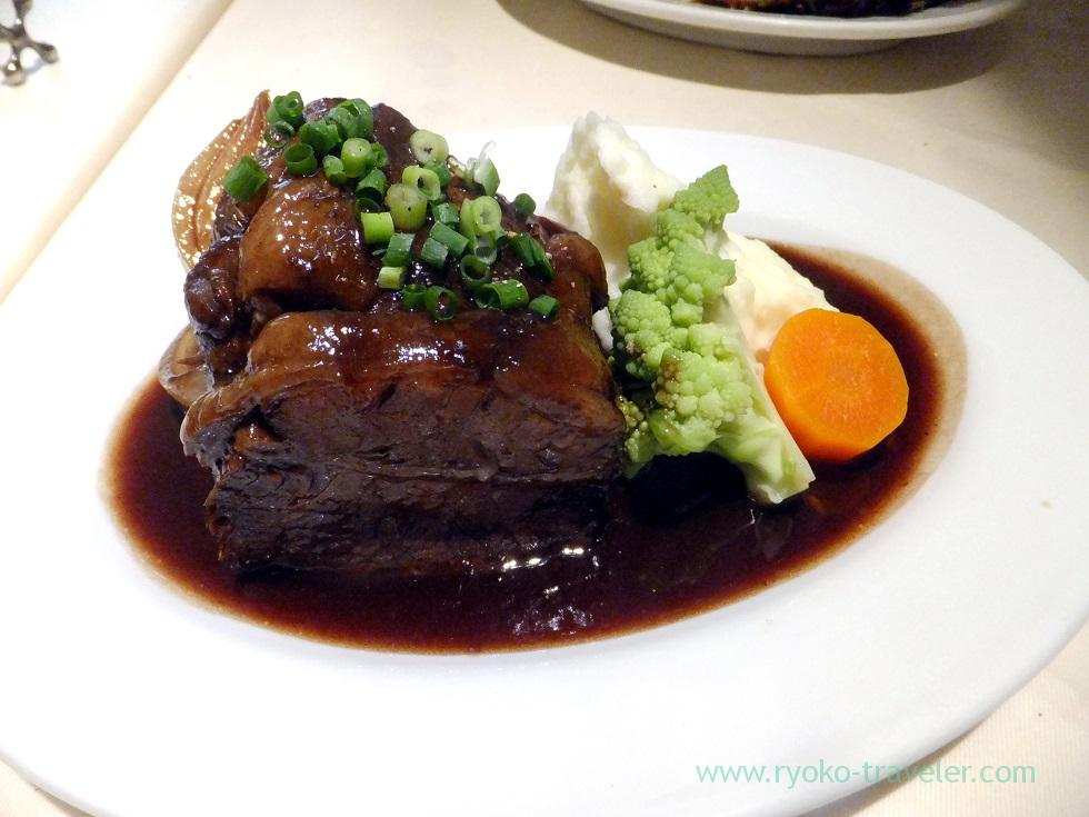 Stewed beef rib with red wine, La Porte Rouge (Kiba)