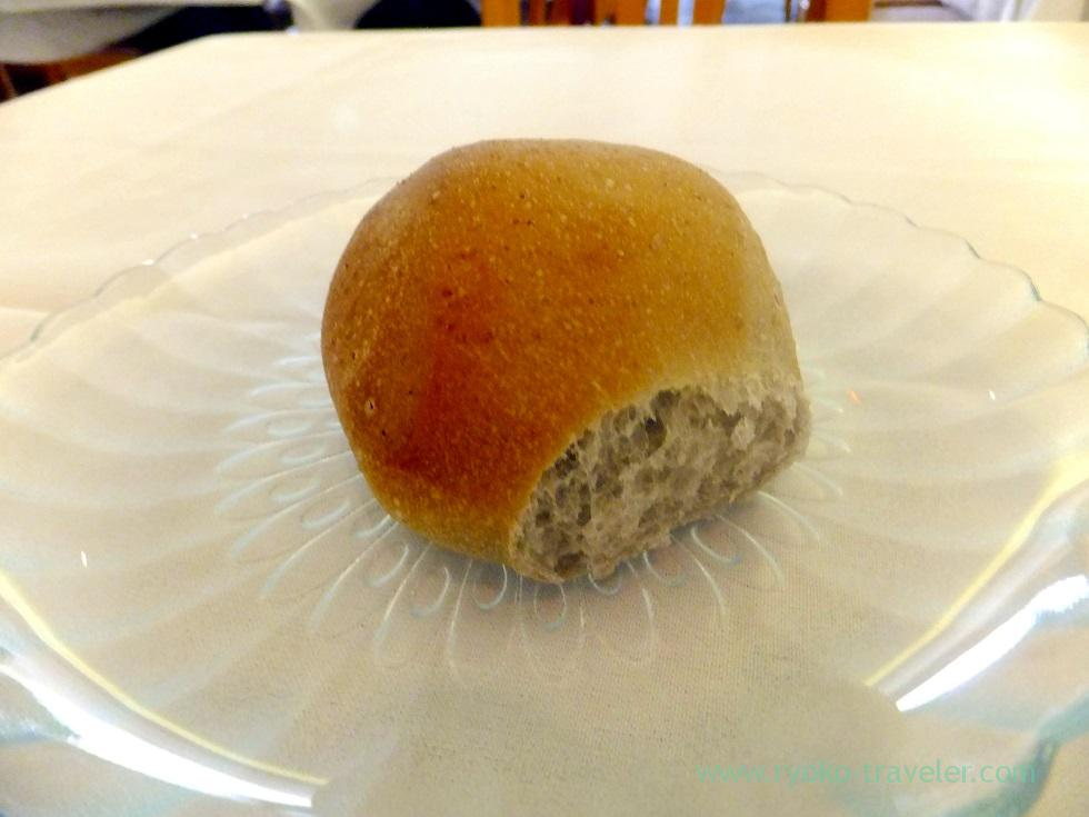 taro bread, 3660 on the rise, Kaimuki Honolulu 2014, Hawaii