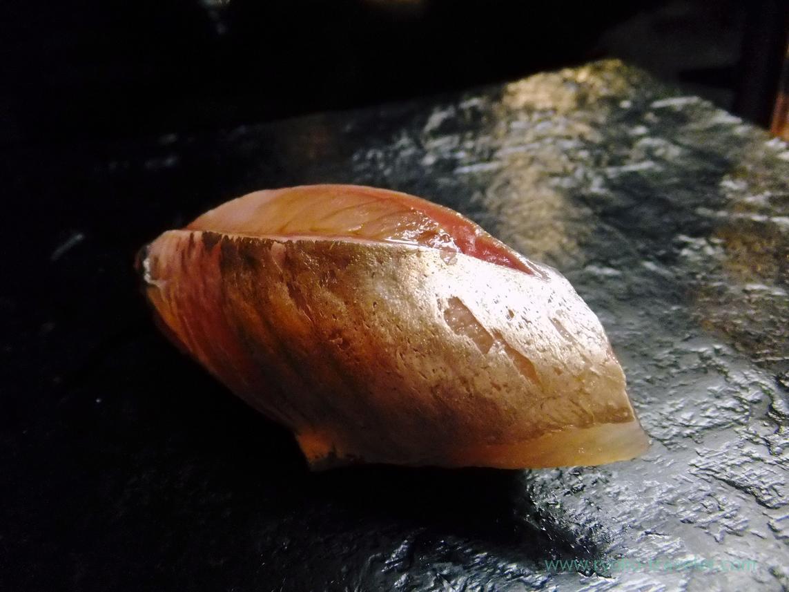 Horse mackerel, Miyakozushi (Bakuro-Yokoyama)