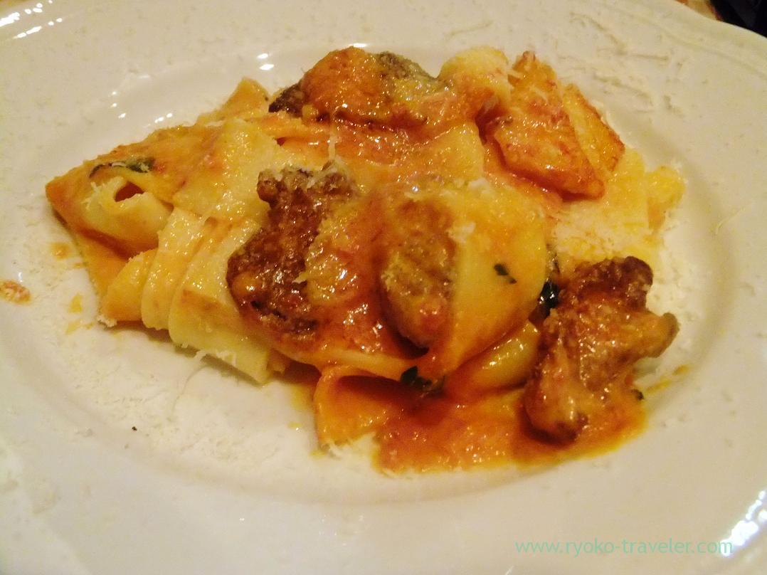 Spaghetti with jidori chicken and creamy tomato sauce, Yamagishi Shokudou (Ginza)
