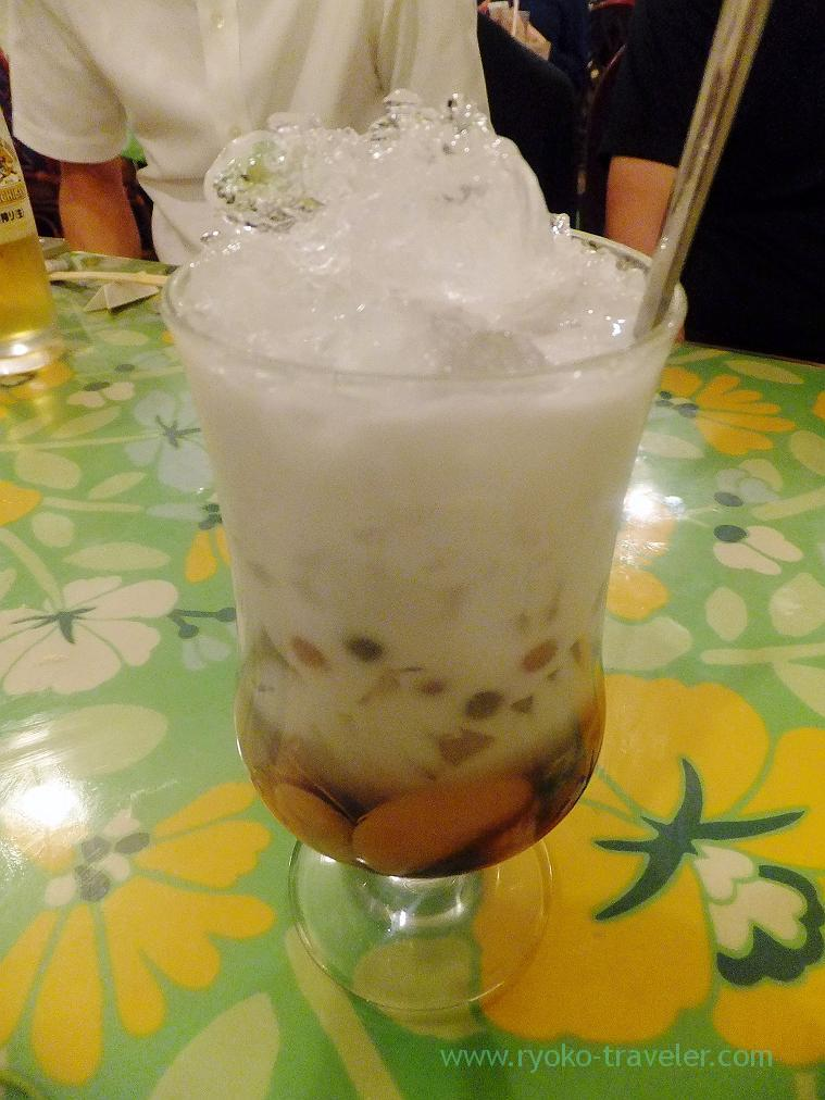 Three-color dessert with tapioca, THI THI (Kamata)