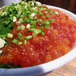 Tsukiji : Horse mackerel and salmon roe at Hajime Sengyo-ten (はじめ鮮魚店)