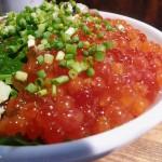 Tsukiji : Horse mackerel and salmon roe at Hajime Sengyo-ten (はじめ鮮魚店)