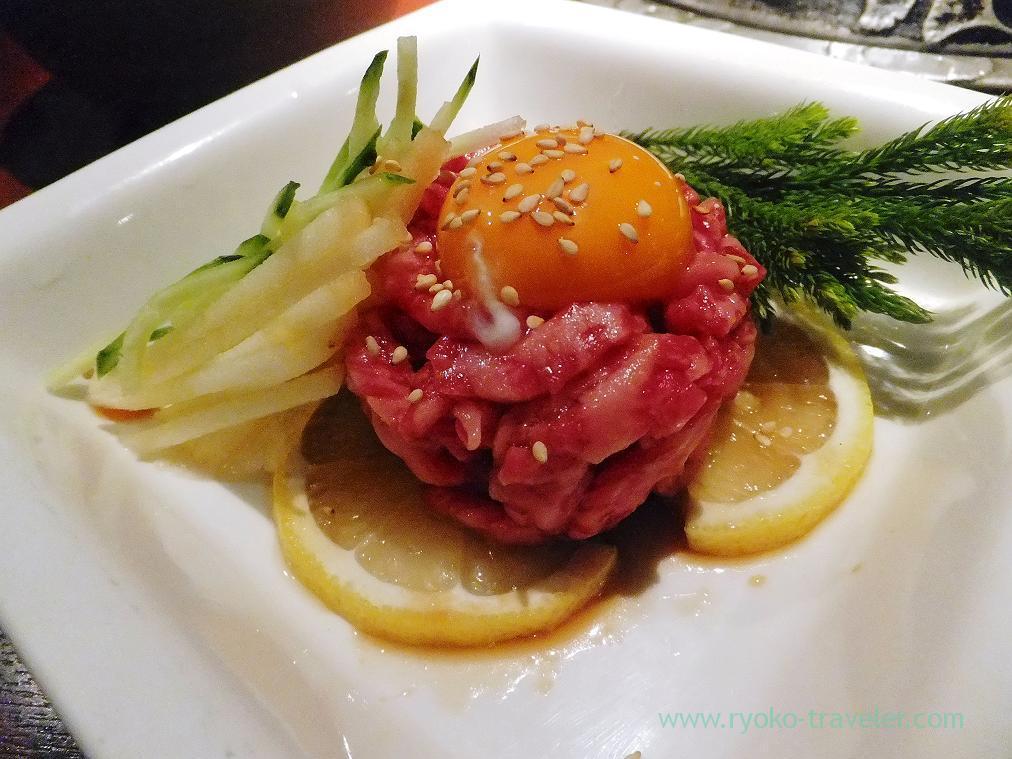 Lightly grilled Yukke, Yakiniku Monjiro (Ichikawa)