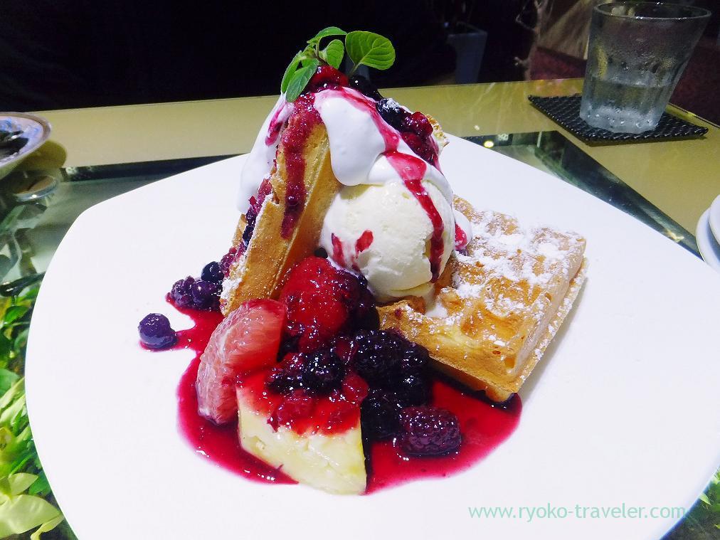 waffle with berries, Midori-no-hoshi (Yatsu)