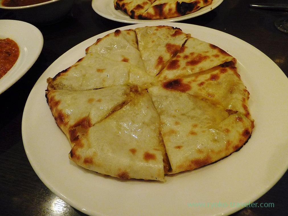 Cheese naan, Anjuna (Takahata-fudo)