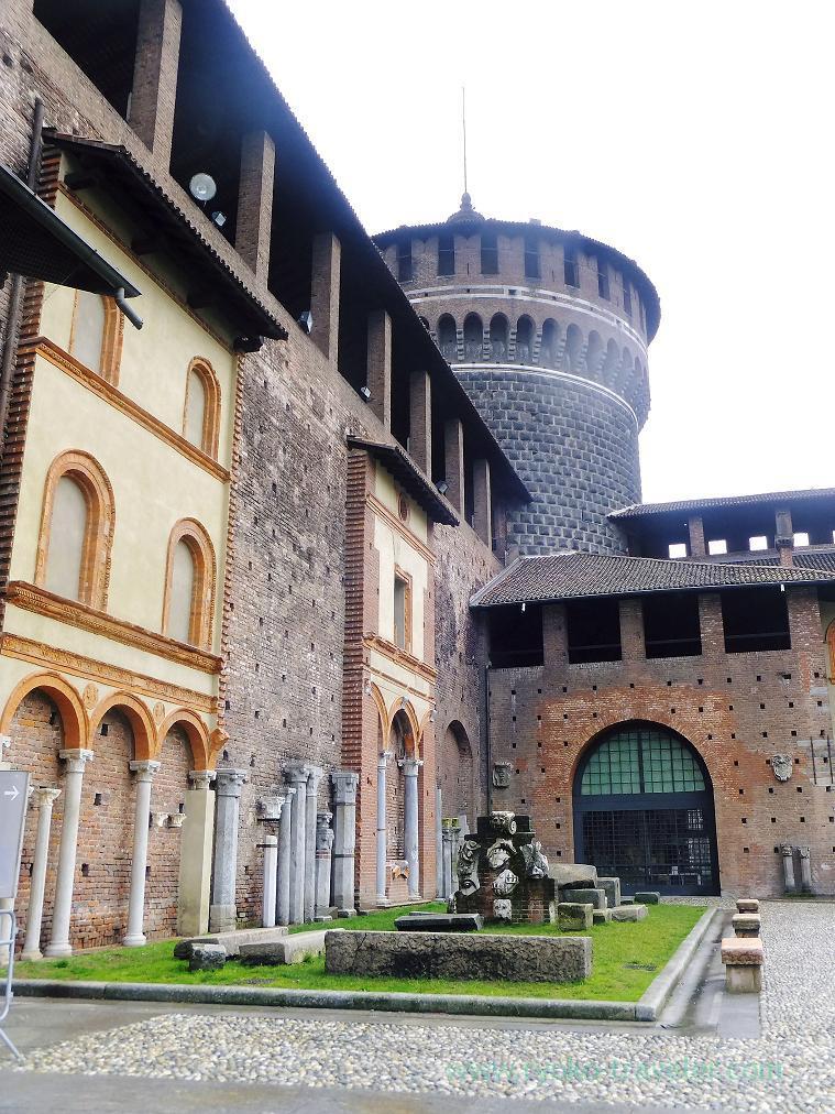 Stones, Castello Sforzesco, Milano (Trip to italy 2015)