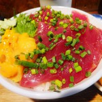 Tsukiji : Tuna and sea urchin bowl at Hajime Sengyo-ten