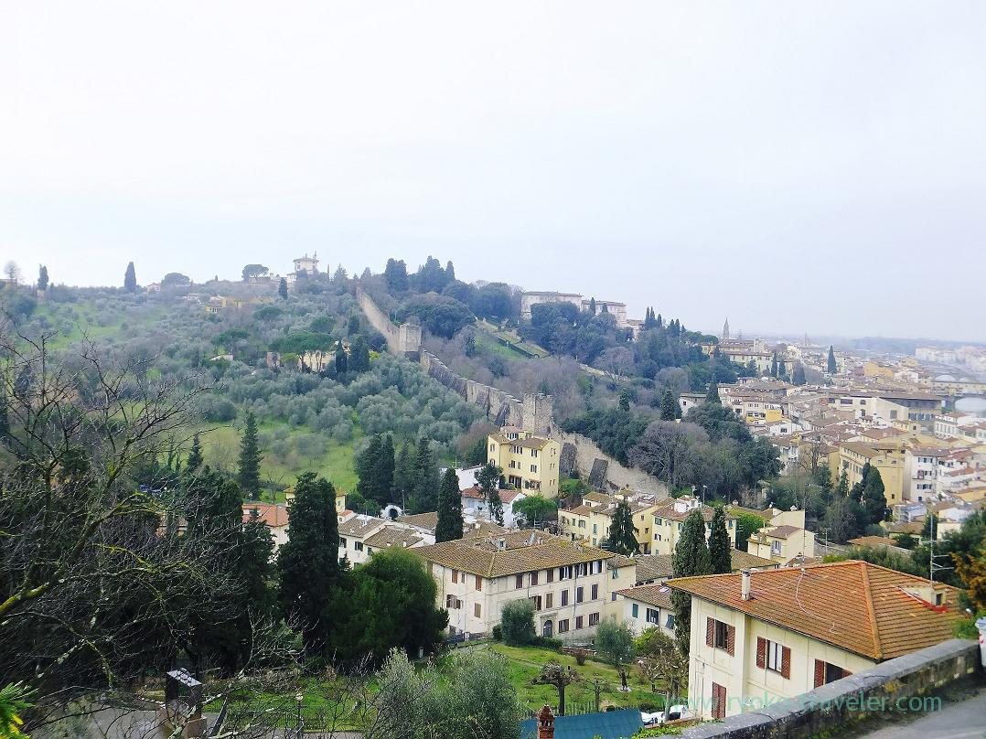 View of hill, Piazzale Michelangelo, Firenze (Trip to Italy 2015)