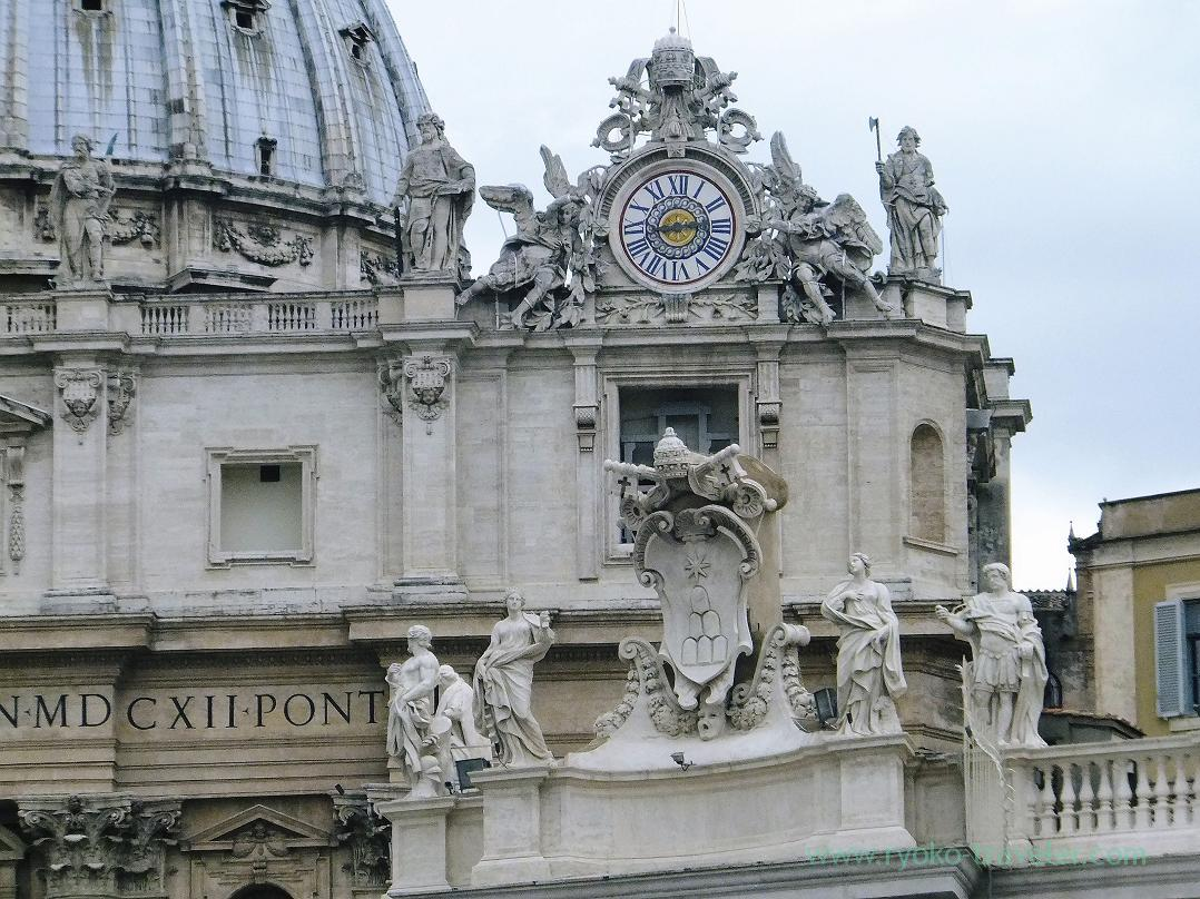 Clock, St.Peter's Basilica, Vatican city(Trip to Italy 2015)