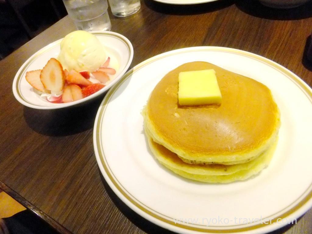 Hot cake with strawberry, Civitas (Kamata)