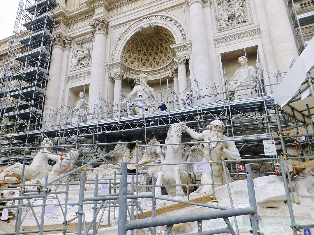 Repairment can be seen, Trevi Fountain, Rome (Trip to Italy 2015)
